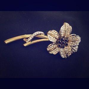 Women's vintage brooch/pin